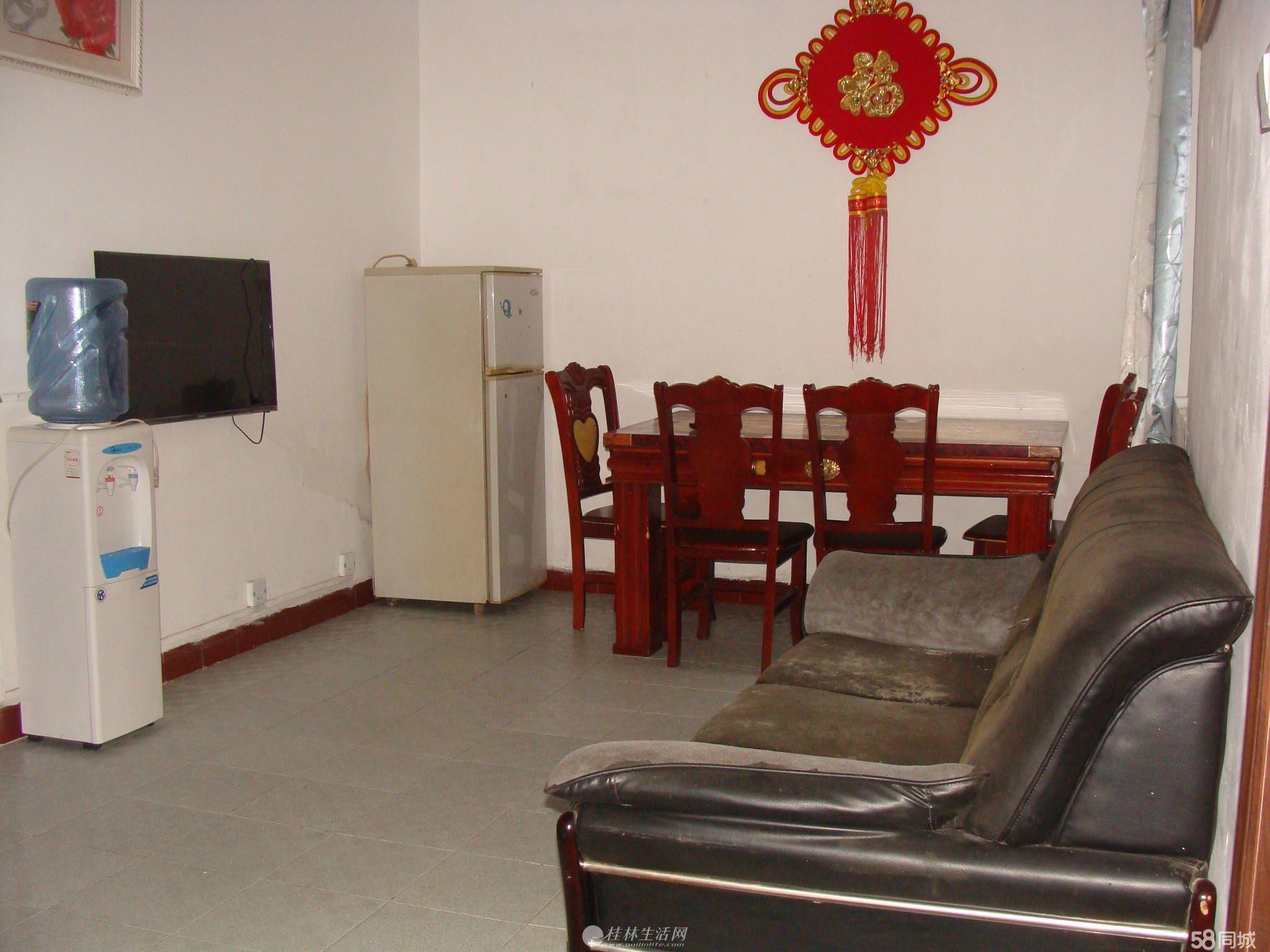 西山早市篦子园小区口一楼二房一厅出租,精装修,家具家电齐全1000月,