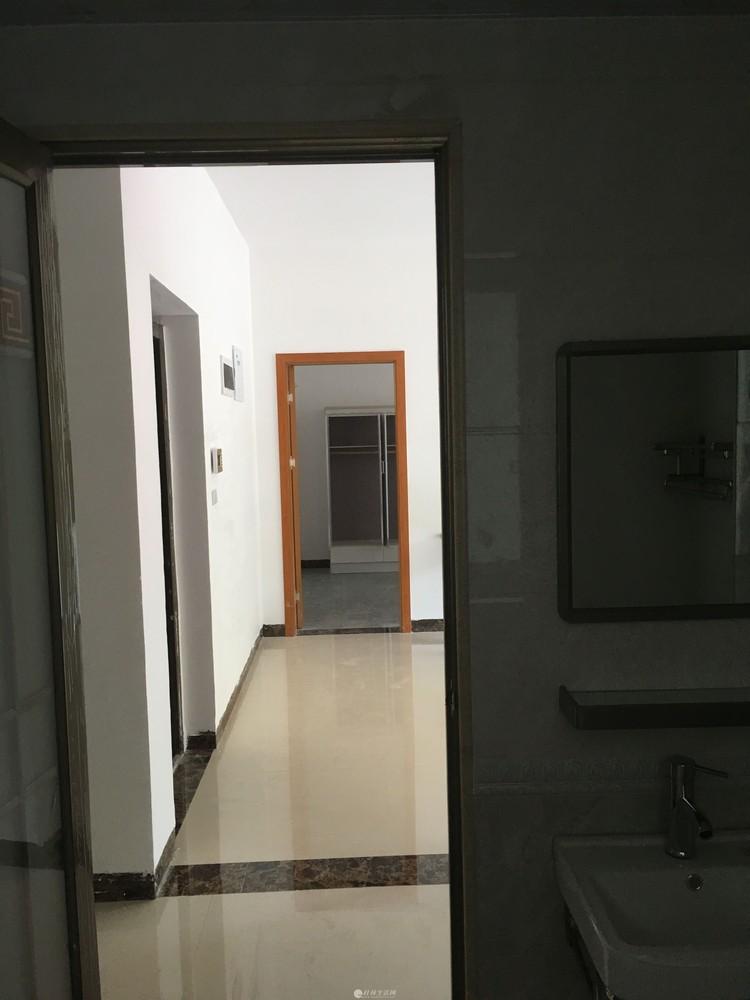 临桂大圆盘附近电梯房新房首次出租