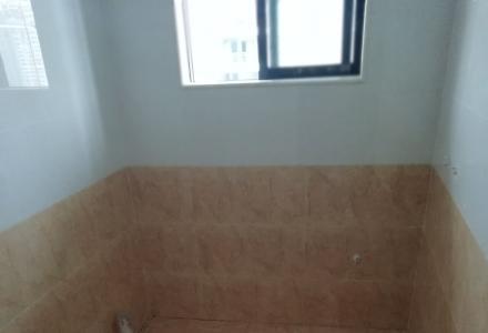 本人专业贴瓷砖`刮腻子一砌墙丶批灰