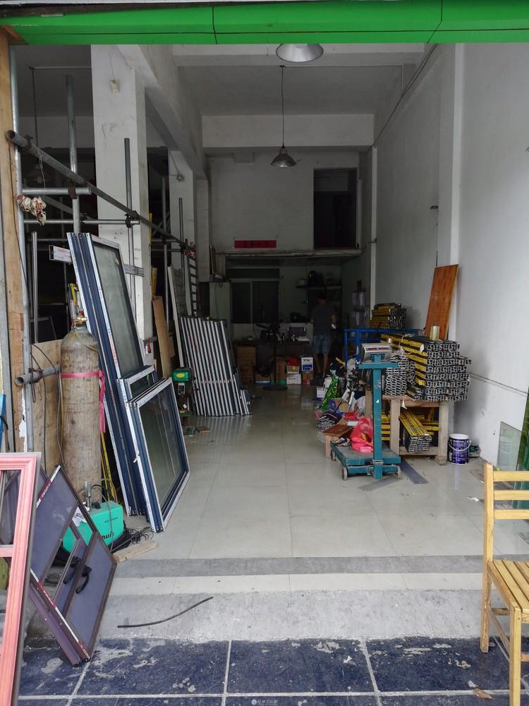 旺铺建材店两空转让一空,两空也可。