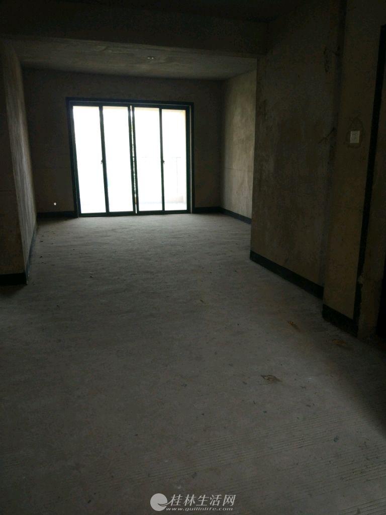 【售】东晖国际,2房2厅,98平,清水房,双阳台,1梯2户,72万