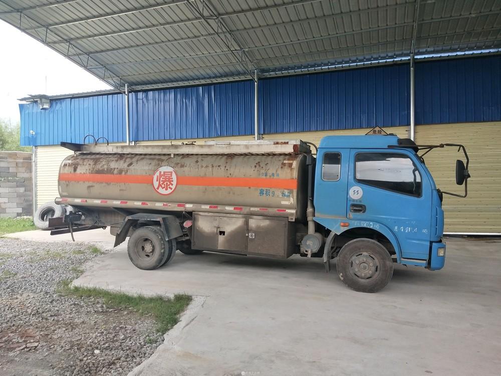 油罐车东风东风油罐车,车性能好超耐跑