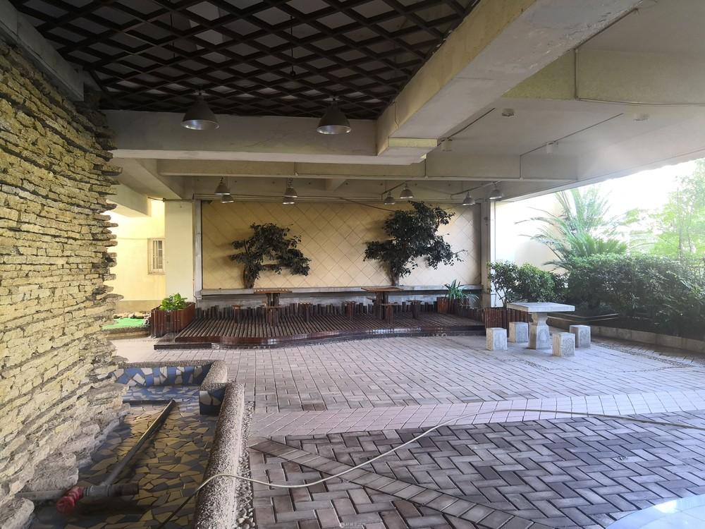 象山中山中路 怡嘉华庭 3房2厅2卫 120平110万 电梯房3楼有大平台