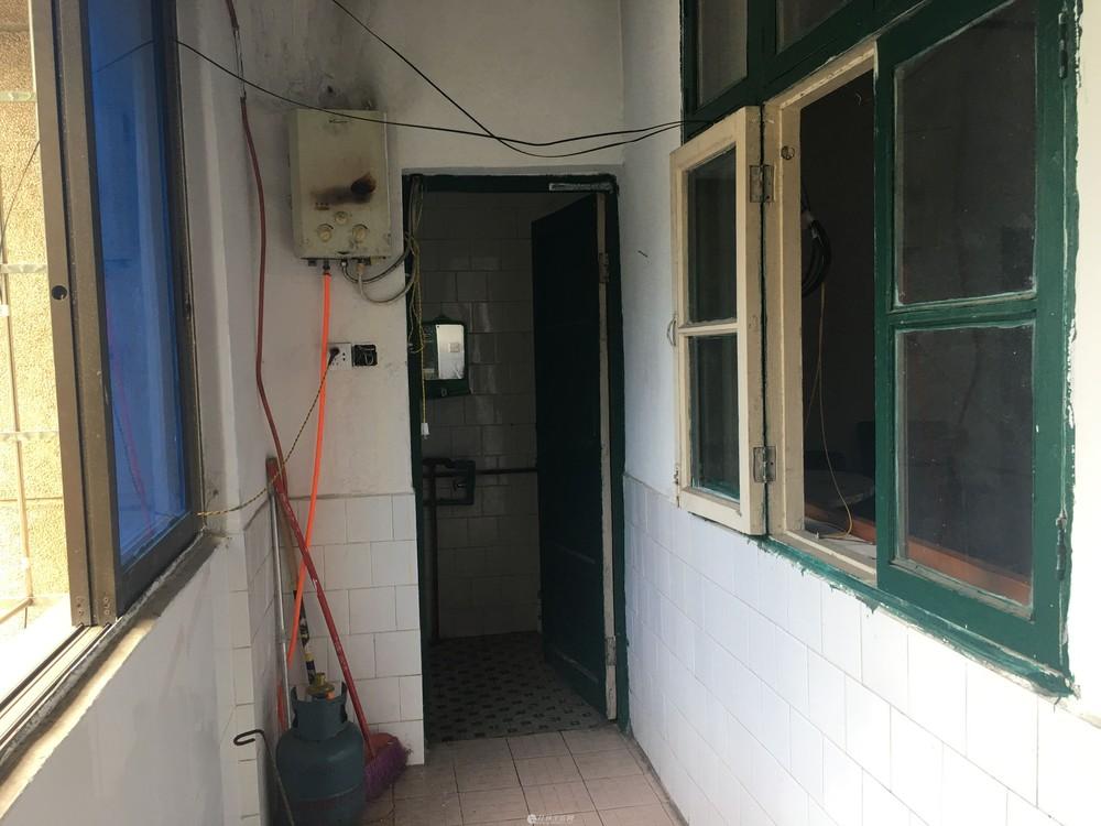 Q乐群小学!水利局宿舍,3房1厅90平米售68万带杂物间有院子