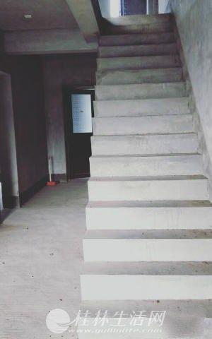 @象山区  江景复式楼5房179平143万看房方便