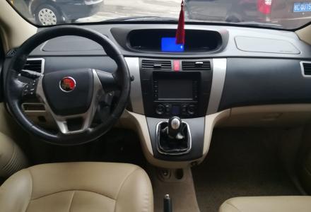 2013年的景逸SUV,1.6排量,高配,天窗导航皮座椅样样有,分期首付几千提车