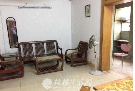秀峰区 丽君路 邮电小区 3楼 3房出租1500元