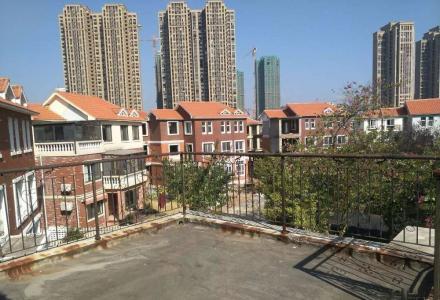 q山水凤凰城超低价出售大别墅+大花园+双车库180万