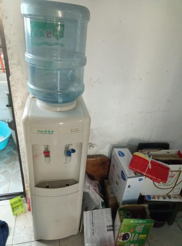 30安吉尔立式饮水机,带消毒功能,送桶一个!