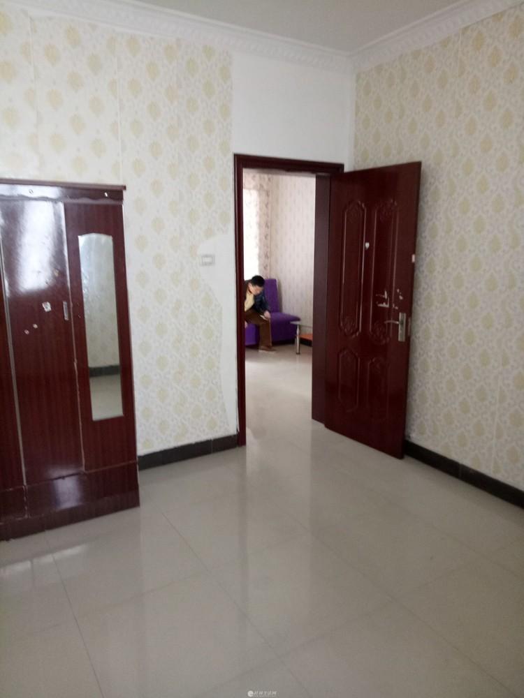 文化宫 社工巷内 3房一厅 新装修