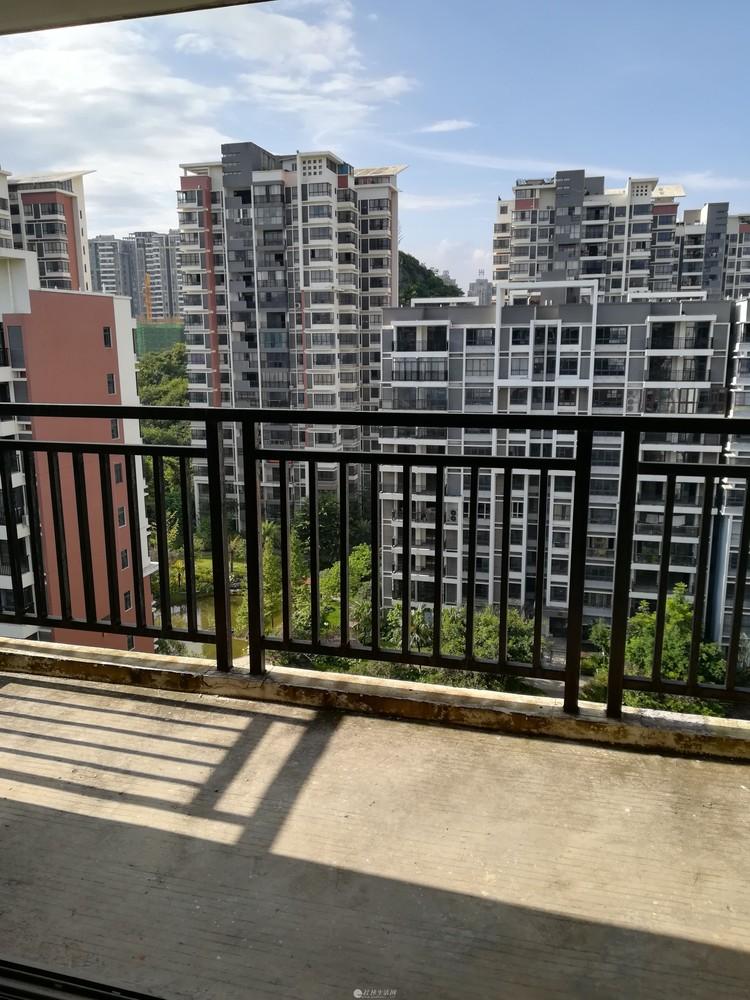 ZZ临桂 山水凤凰城 一梯两户赠送8平方入户花园 高层小洋房 131平 五千一平 仅此一套!