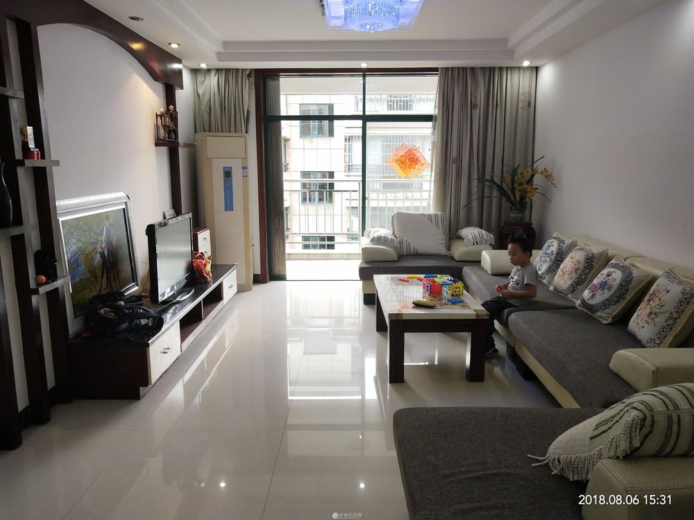 【天龙居】圣隆路 北极广场旁 三层复式 带车库 5房3厅 232平150万