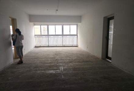 三里店大圆盘附近 明珠大夏清水3房2厅1卫 156平米 2500每月