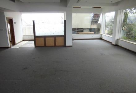 办公室出租 中山中路西城路对面,百货大楼附近,电梯10楼复式楼200平方,6000元月可议