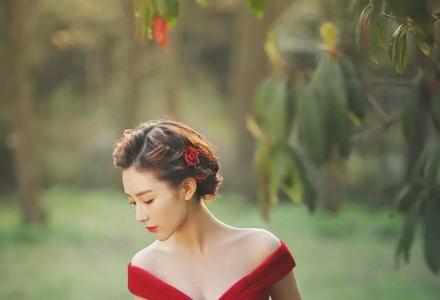 韩式唯美新娘早妆+整体造型设计特惠:260