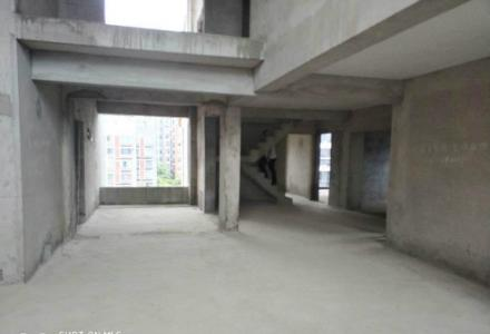 榕湖小学 挑空复式 6房3厅3卫 6阳台 送阁楼 183万