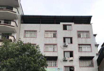 """桂林市秀峰区黑山路自建楼""""二房两一厅二卫"""",80平米,560元/月出租。"""