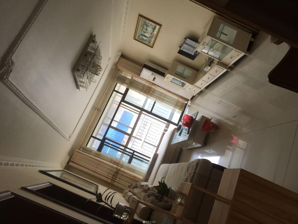 出租水晶郦城3室2厅1卫2600元