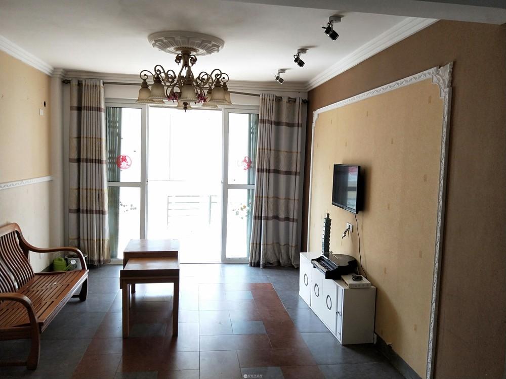 临桂金水路中,印象名人邸小区一单元五楼,精装电梯房,100㎡,二房二厅一卫一厨