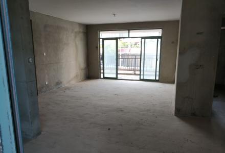 边检小区:中隐路47号边检小区,2楼毛坯房,可做仓库