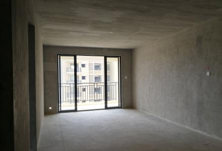 利森红郡师大雁山政府旁南北向东面3房2厅2卫双阳台电梯现房