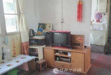 出租六合路漓江厂宿舍两室一厅一卫