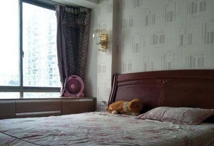 鑫海国际 两房两厅一卫 家电齐全 拎包入住