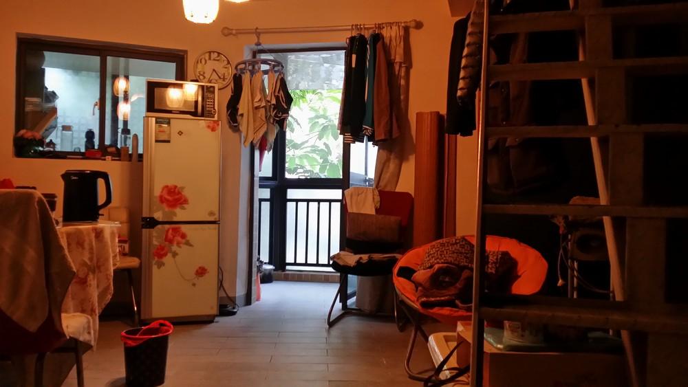 桂林市七星区北大公馆一期商品房出售,一室一厅,建筑面积26平米,售价12万。