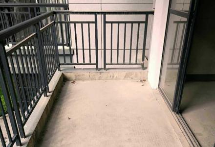 三里店旁 龙隐学区  冠泰城国 电梯中层南北通透3房2厅2卫156平160万
