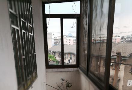 中山中路南门桥丹桂饭店后面可成里2房1厅出租