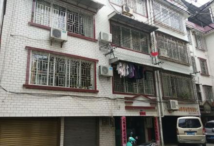 罗汉山小区三房两厅三卫118平米送一个车库