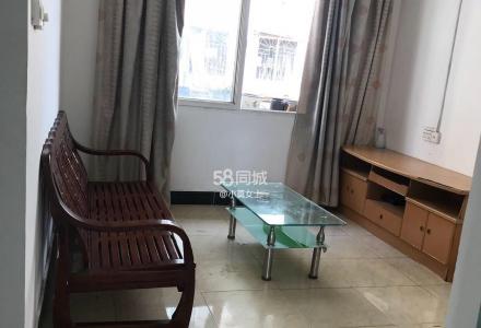 (房东租房)东安街红绿灯处五楼一房一厅出租,只有家具,没有家电,干净通风。