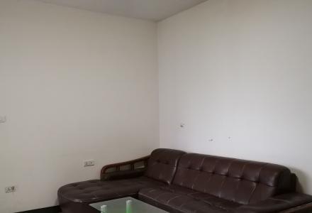 师大附中旁风景国际1房1厅家具家电齐全有空调出租700元/月