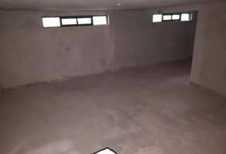 X    低价出售  桃花江路 甲山青秀庭院 5房3厅4卫 产权321平370万带车库