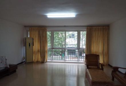 气象路卫生小区,2楼4房2厅2卫160平方车位2个,家具家电齐全有物业。宜商宜住月租1800