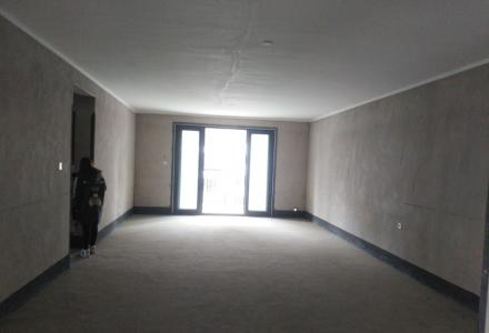 三里店 彰泰睿城 楼王位置 清水大4房2厅2卫 185万
