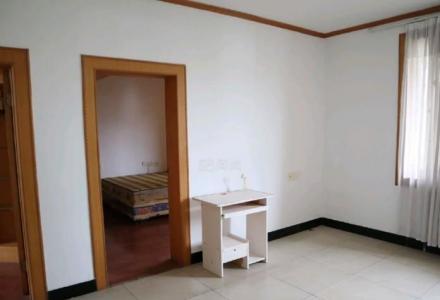 广西师范大学北苑 2房1厅1卫 学校内  62平方米 学校内安全系数高  随时可以看房