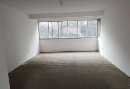 万达广场巴比伦旁南药公司宿舍3楼清水3房2厅2卫144平米带车库75万