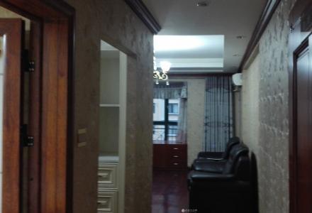 体育馆附近 东晖国际公馆 284平米  豪华装修  适合办公用