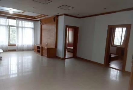 桂林市七星区四楼两房一厅一厨一卫江景房出租