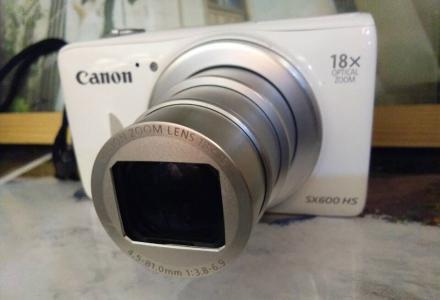 急用钱原价1420元的佳能sx60相机甩卖相机可以拍很远的照片