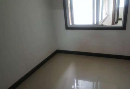 JS急售桂中学区房黄金2楼4房1厅1卫95平米108万