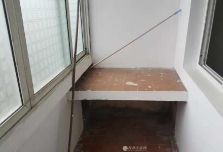 JS急售铁西上市房改房6楼2房1厅1卫58平米24万