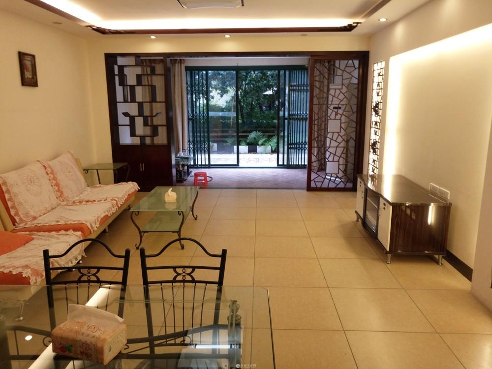 万达广场碧水康城旁东晖国际公馆1楼3房2厅2卫带50平花园105万