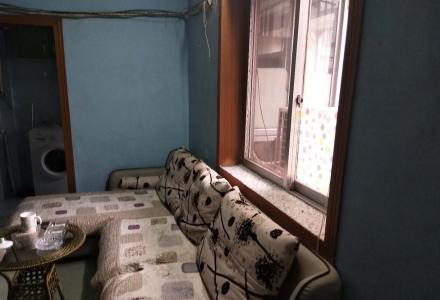 xw中华小学学区,社公巷一房一厅,40平方,56万,五楼,96年