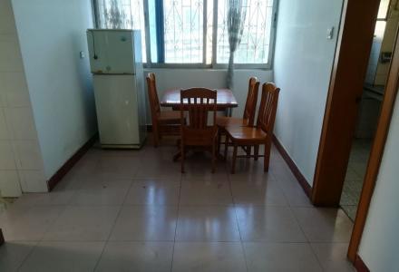 叠彩区政府对面锦秀乐园 3室2厅1卫 96.23平米送一楼杂物间14.3平方米
