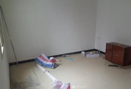 xq急售榕湖学区三多路一房一厅52平米62万满五唯一合适可议价