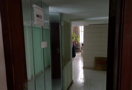 急售:佰宫酒店办公室出售(非中介,送全套办公家具)