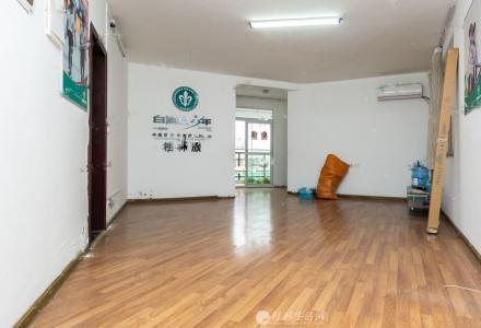 育才本部学区房 电梯3室2厅1卫  134平米
