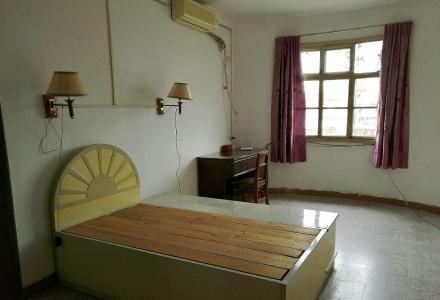 出售桂林巿三皇路物资局大院房子